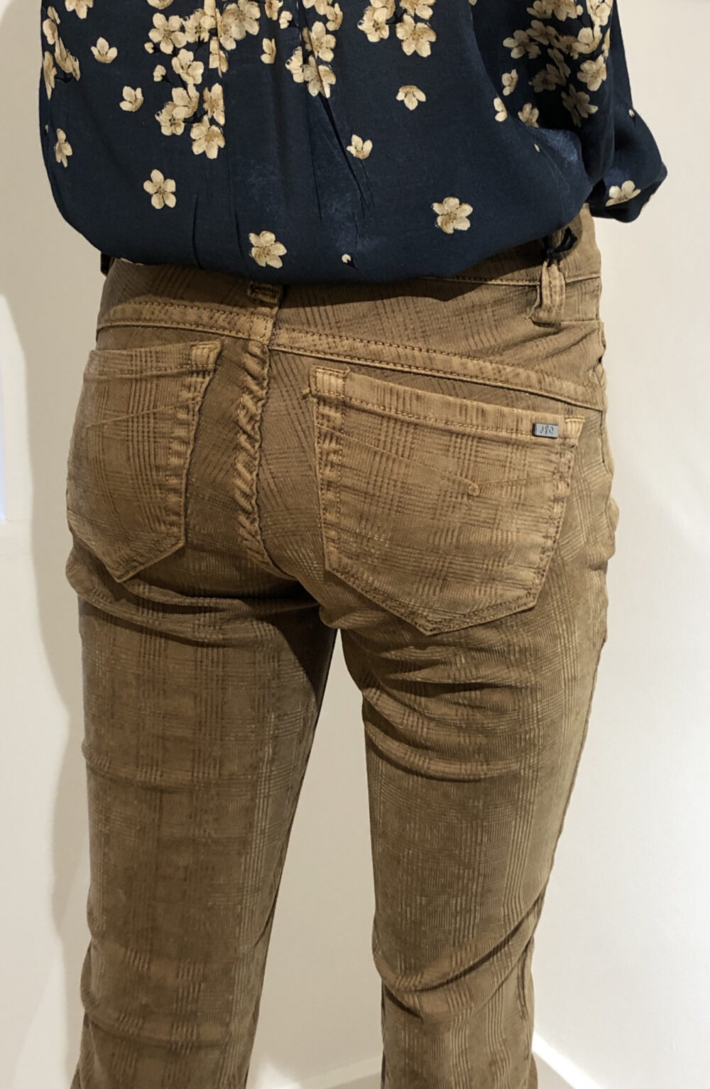 Jonny Q bukser Penelope cognac farvet 1 scaled