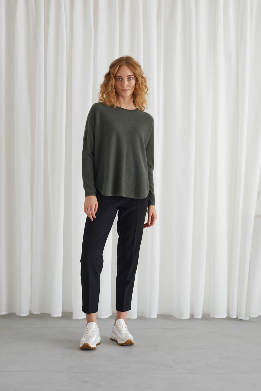 Davida Curved sweater Army green 1 scaled