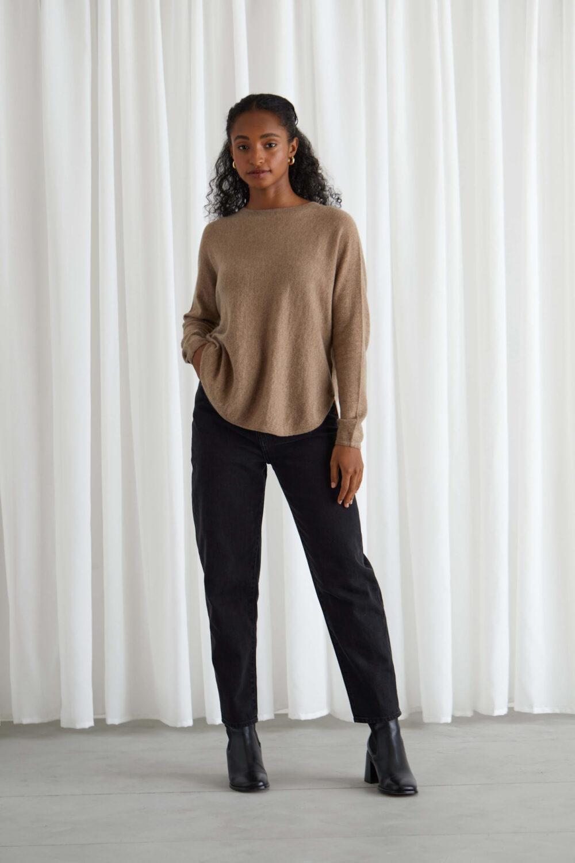 Davida Curved sweater mink 1 scaled