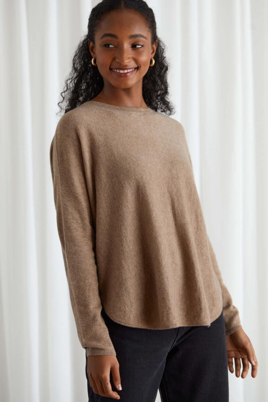 Davida Curved sweater mink scaled
